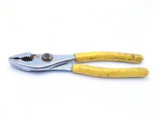 pliers-web